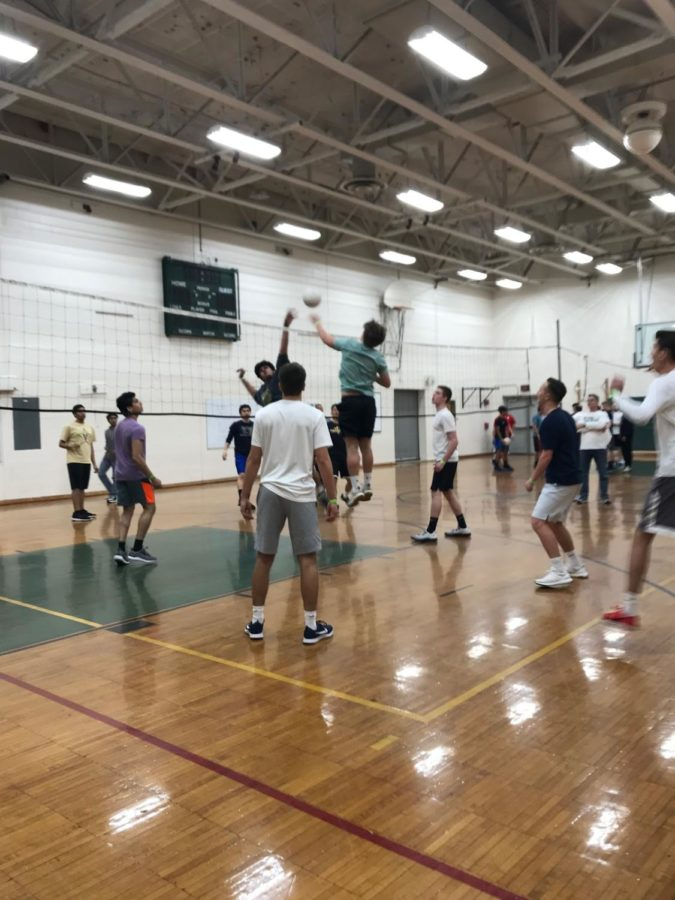 Students+could+enter+teams+into+the+post-prom%27s+annual+volleyball+tournament.+