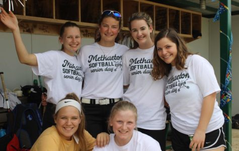 Softball Celebrates its Seniors
